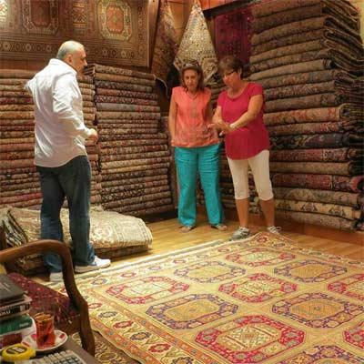 Regatear para comprar alfombras en Estambul