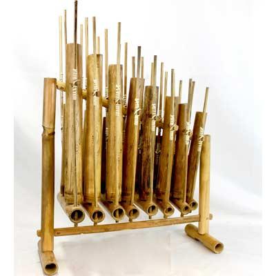 Instrumento musical de Bali hecho en bambú
