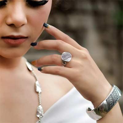 Joyería balinesa Celuk, pulseras, pendientes