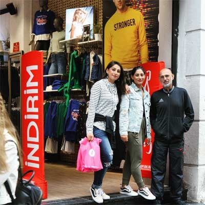 Ropa y Zapatos en tiendas de Estambul