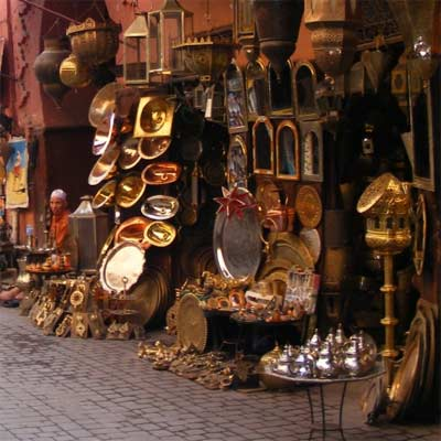 Utensilios de Cobre en mercado marroquí